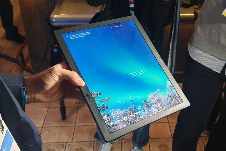 Lenovo-ThinkPad-X1-Fold-Holding